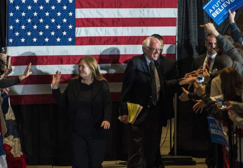 ernie Sanders y su esposa Jane O'Meara Sanders no tienen mucho dinero. (Getty)