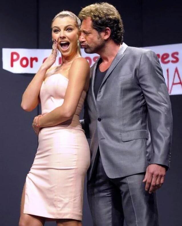 Marjorie de Sousa y Gabriel Soto actúan juntos en la obra 'Por qué los hombres aman a las cabronas'. (Facebook)
