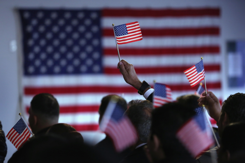 tarifa para convertirse en un ciudadano de los EE.UU., costo ciudadano