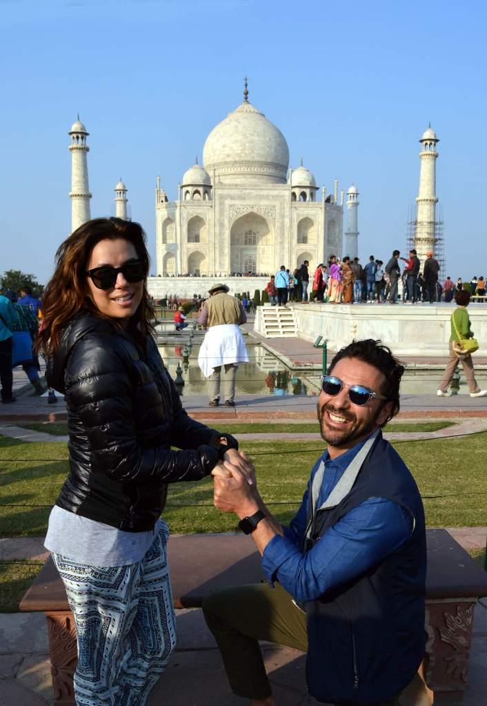 El presidente de Televisa aprovechó el viaje a Dubái para pedirle la mano a su amada. (Getty)