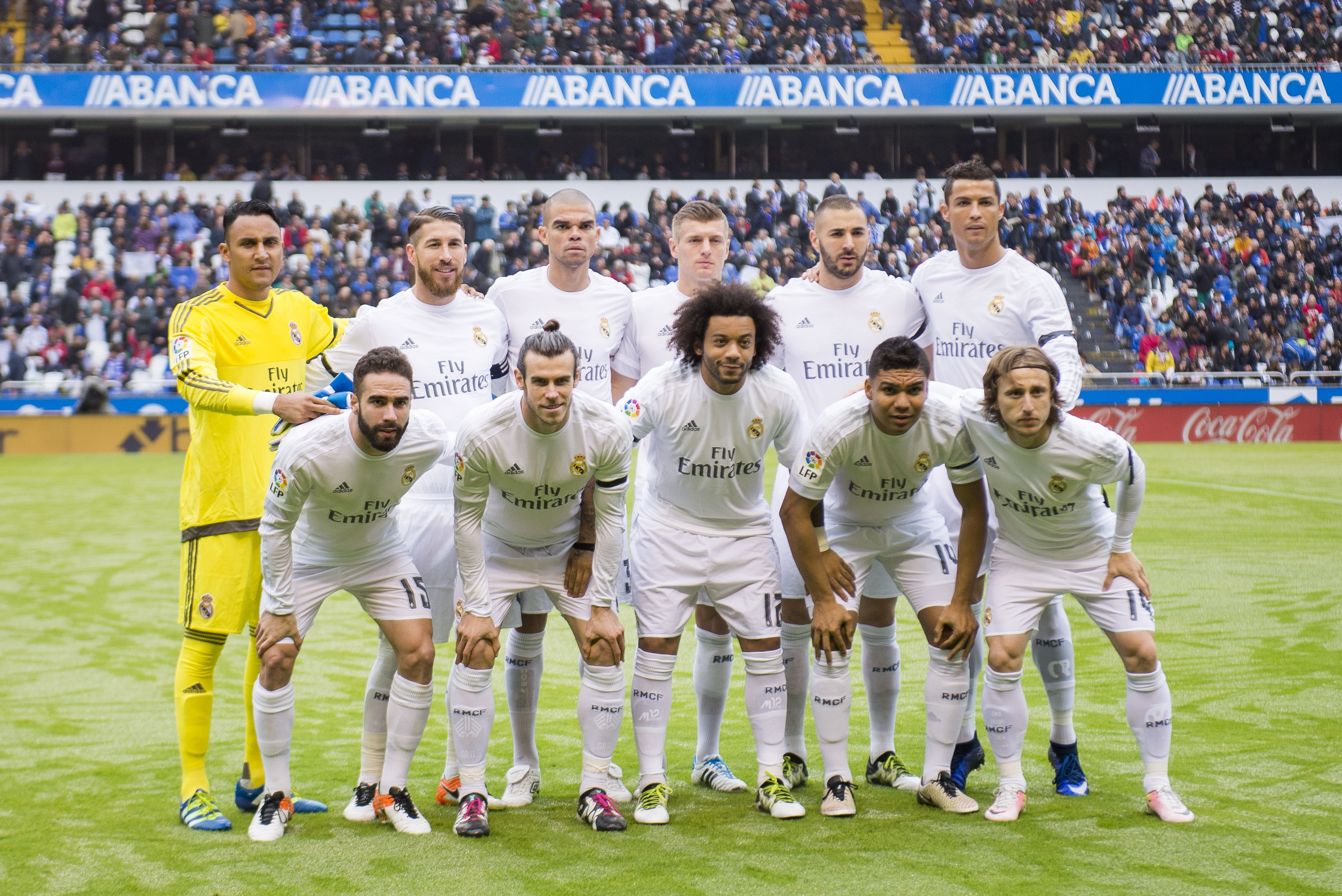 LA CORUNA, SPAIN - MAY 14:  Real Madrid line up for a team photo prior to the start the La Liga match between RC Deportivo La Coruna and Real Madrid CF at Riazor Stadium on May 14, 2016 in La Coruna, Spain.  (Photo by Juan Manuel Serrano Arce/Getty Images)