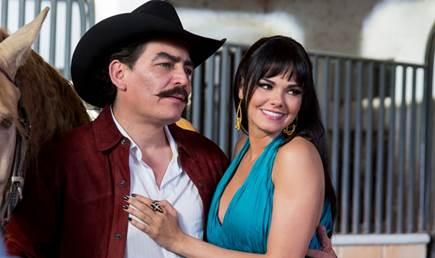 José Manuel Figueroa y Livia Brito, juntos en la serie 'Por Siempre Joan Sebatian' (Univision)