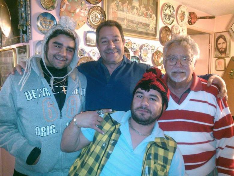 Polo Ortín junto a su hijo Jorge y sus nietos. (Facebook)