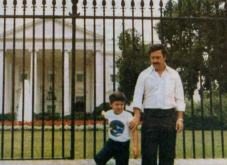 Pablo Escobar junto a su hijo Sebastian en Washington DC. (Facebook)