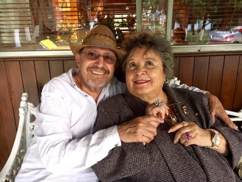 Chachita junto a su esposo. (Facebook)