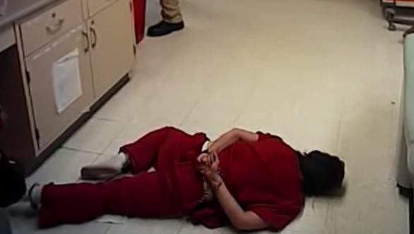 Una captura de pantalla del vídeo de la cárcel de Susie Chávez.