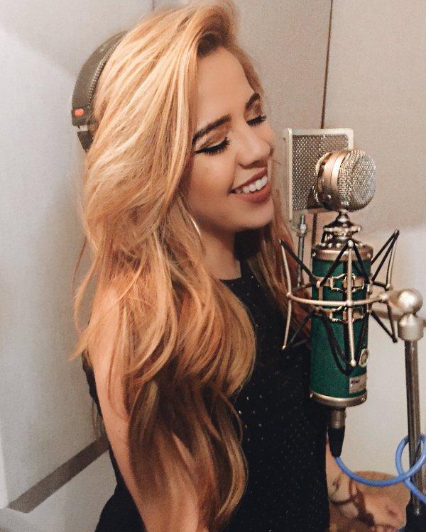 Elia Esparza, Elia Esparza The Voice, Elia Esparza Selena