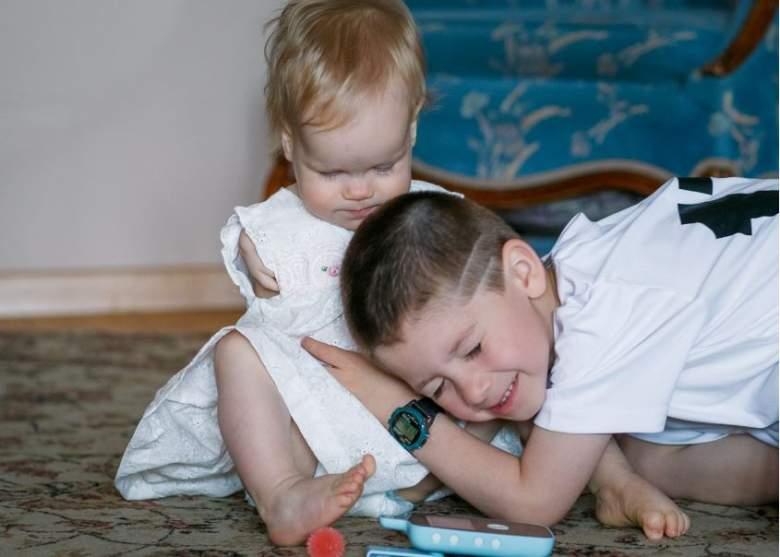 La familia de la pequeña Vasilina ha hecho un esfuerzo porque la pequeña lleve una vida normal (Foto Pravmir RU)