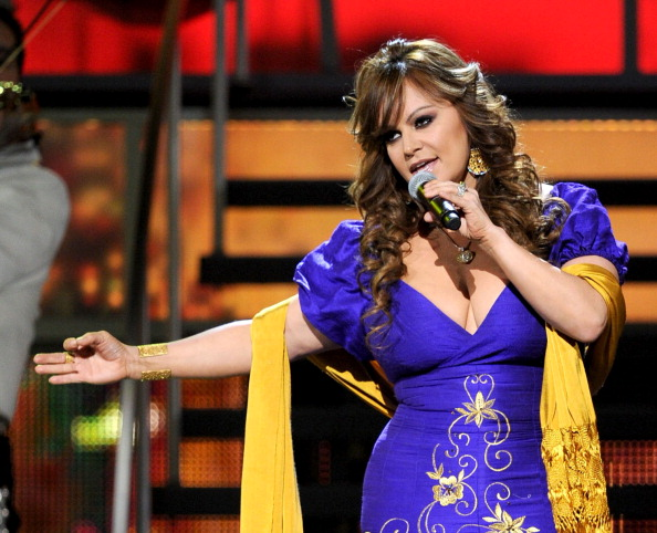 Jenni Rivera cantando en la 11th annual Latin GRAMMY Awards en Las Vegas (Photo by Kevin Winter/Getty Images for LARAS)