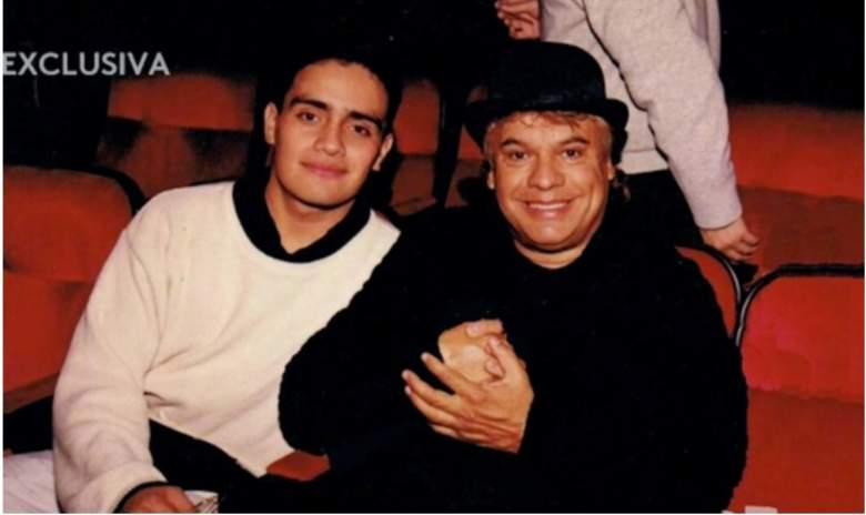 Juan Gabriel y Sergio Ortega, comenzaron su romance cuando Ortega tenía 18 años. (Foto tomada de video de Univision)