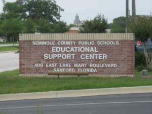 Los centros educativos en Estados Unidos conmemoran el Día de los Veteranos (Facebok: Seminole County Public Schools)
