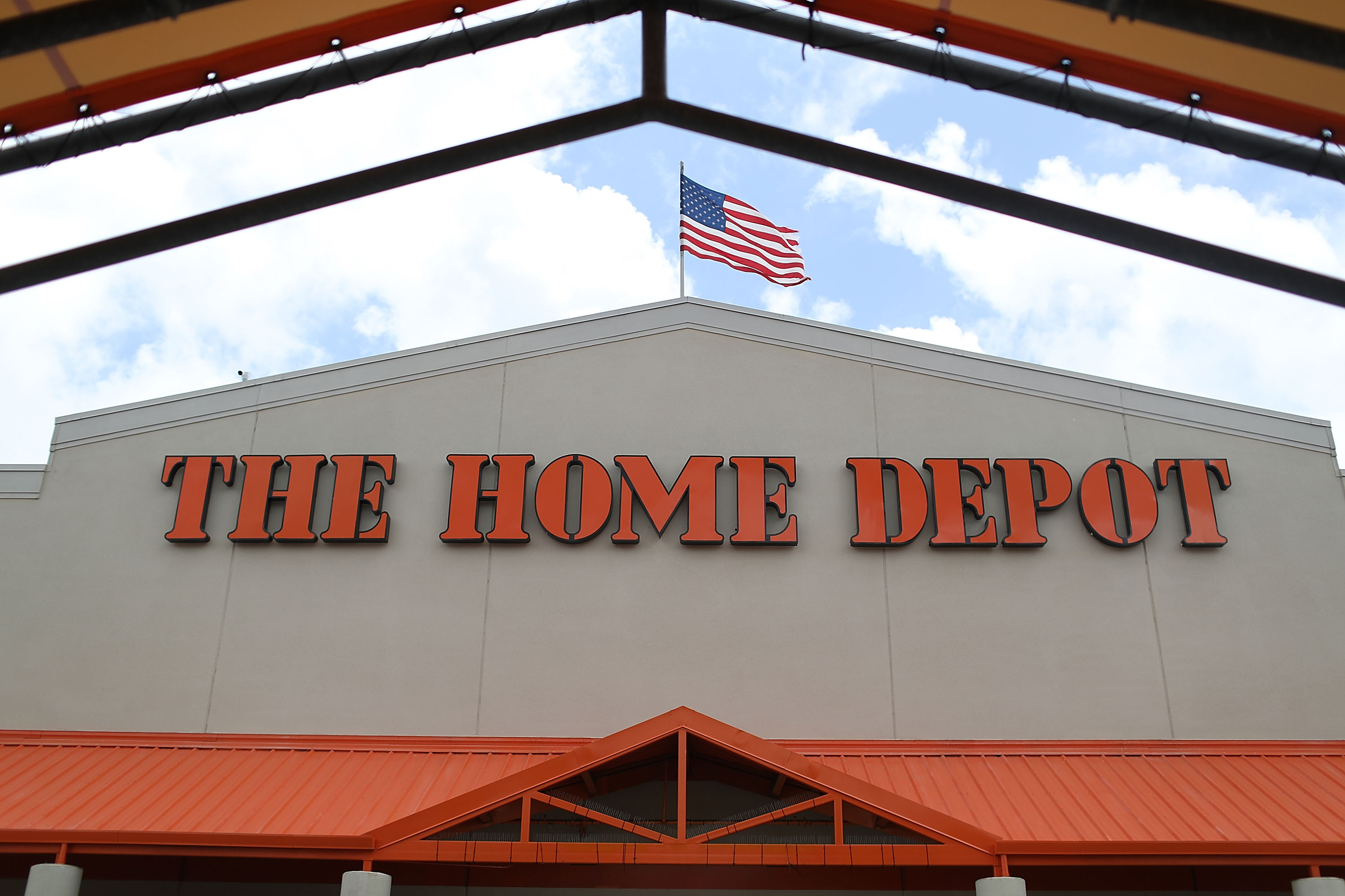home depot esta abierto thanksgiving
