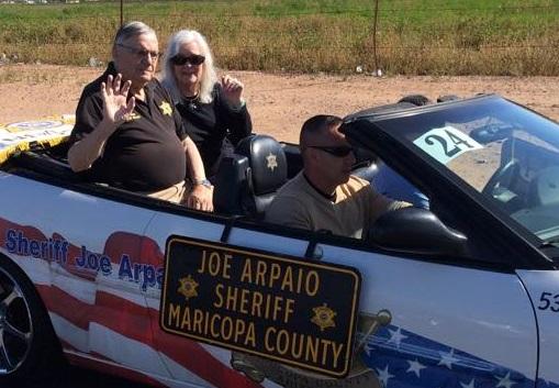 Joe Arpaio encabezando una caravana por el condado de Maricopa. Foto: )(Facebook: real.Joe.arpaio))