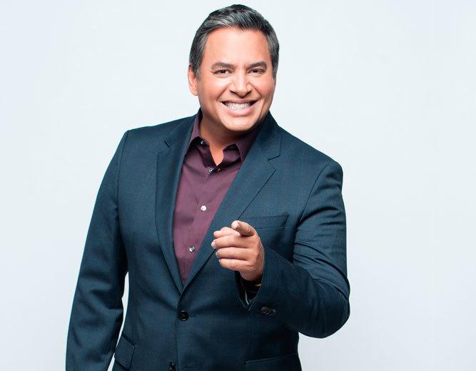 El animador venezolano Daniel Sarcos (Telemundo)