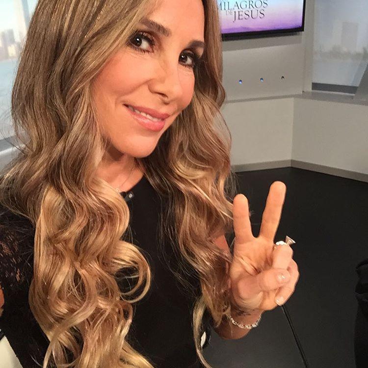 La bella venezolana recibió a su tercer hijo la segunda semana de enero (Instagram)