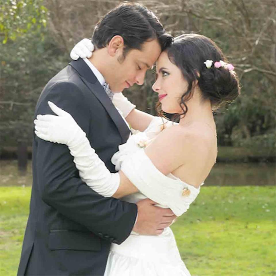 """Casada con Saúl y prohibida para """"El Chema"""". (Facebook Telemundo)"""