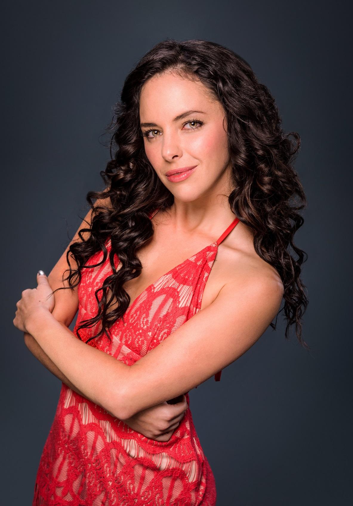 """Carla Carrillo interpreta al """"amor imposible"""" de """"El Chema"""". (Cortesía Telemundo)"""
