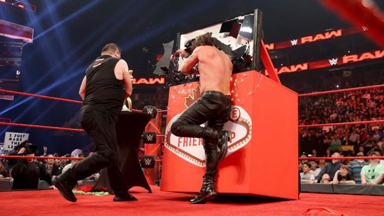 Kevin Owens traiciona a Chris Jericho durante un segmento de Raw. (WWE.com)
