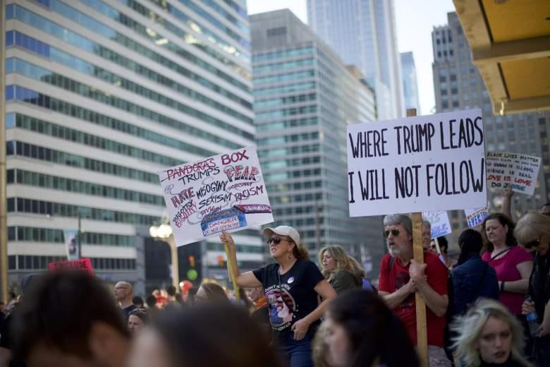 Manifestantes en Filadelfia antes de la Inauguración de Trump. (Getty)