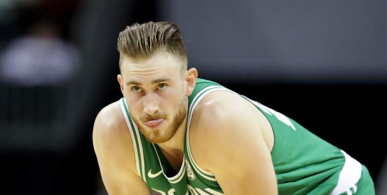 Gordon Hayward #20 de los boston Celtics, se lesiono una pierna