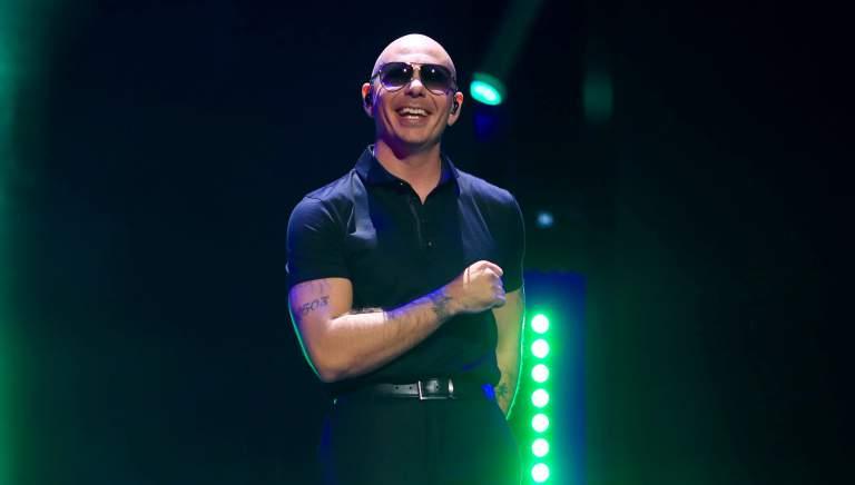 Cuántos hijos tiene Pitbull? Quién es la madre?