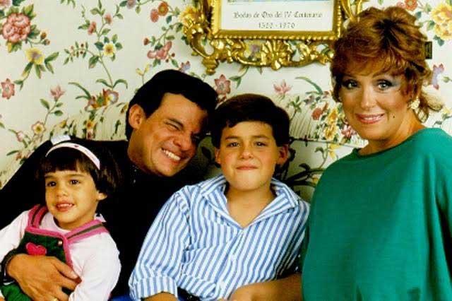 Ana Elena Noreña, 2da esposa de José José , Anel y sus dos hijos