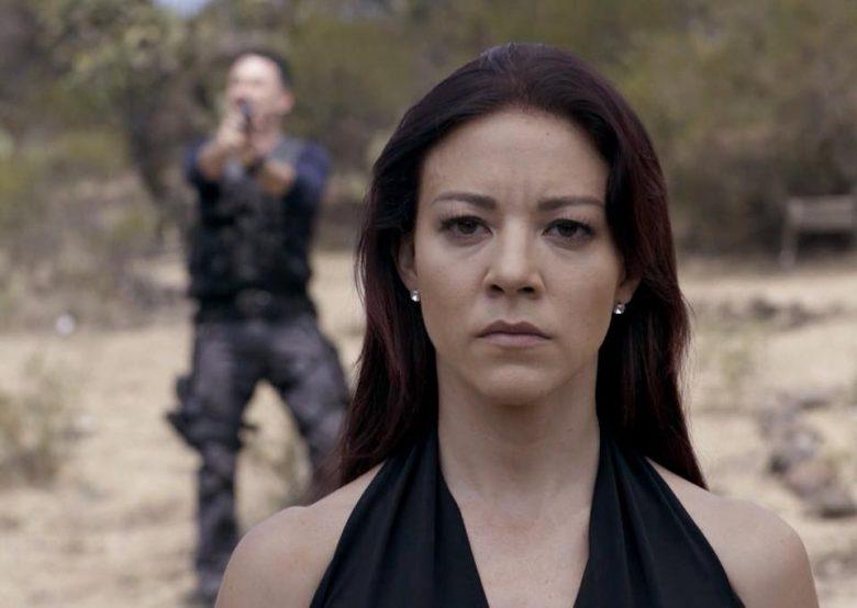 Fernanda Castillo como Roxana Rodiles, Que pasó en el capítulo final de la serie final Enemigo Íntimo, Habrá 2da temporada? Telemundo