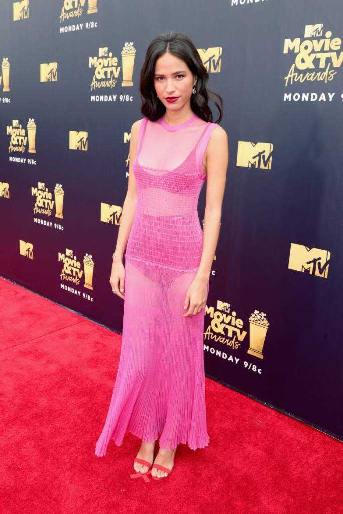 MTV Movie y TV Awards 2018 red carpet, Peores vestidos, peores looks, Kelsey Asbille, MTV Movie y TV Awards 2018 red carpet, Peores vestidos, peores looks,