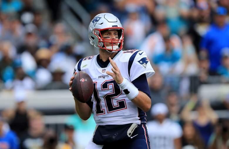 Tom Brady Reaches Gordon Patriots Debut