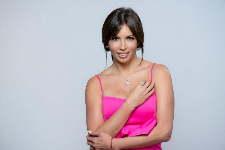 ¿Dónde comprar los accesorios de Giselle Blondet para Nuestra Belleza Latina?, Joyas, anillo, corona, pulseras, cadena