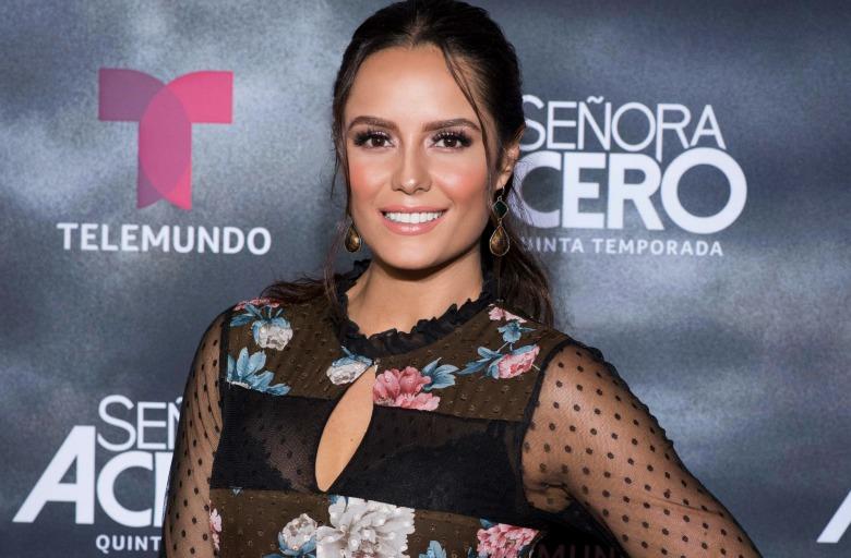 Ana Lucia Dominguez, La Tuti