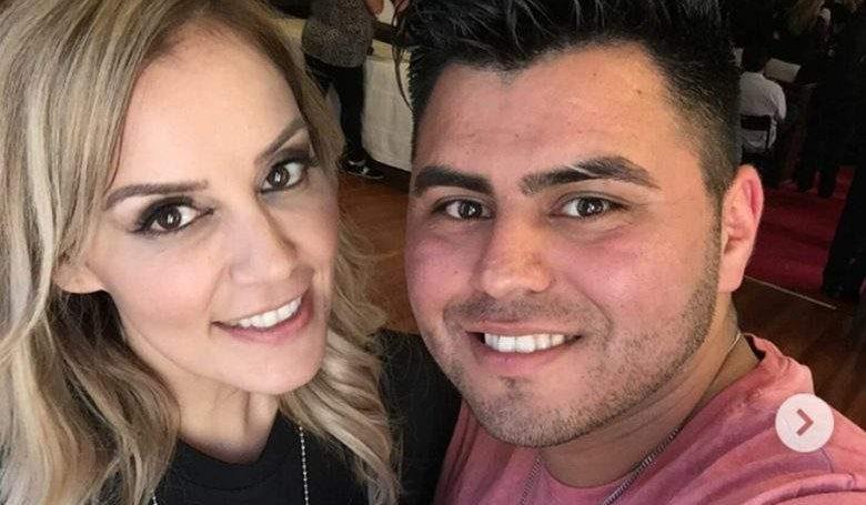 Abel Flores, esposo de Rosie Rivera, participante de la Voz de Telemundo,