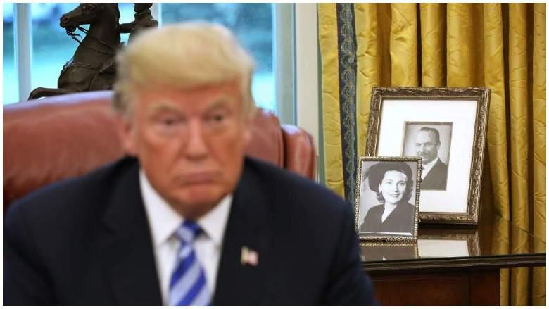 ¿Quiénes estaban en las fotos detrás de Trump durante su discurso? Donald Trump