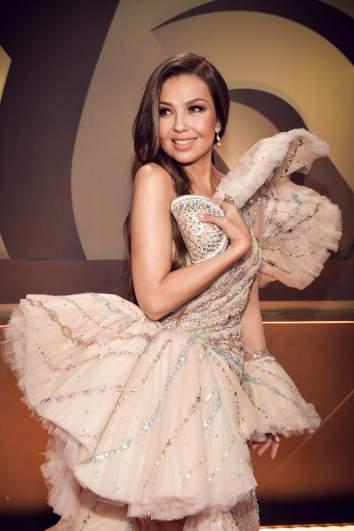 ¿Quién es el diseñador del vestido de Thalía en PLN 2019?