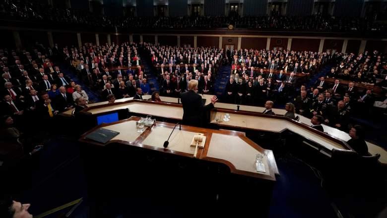 ¿Quién está sentado detrás de Trump mientras da su discurso sobre el Estado de la Unión? Descúbrelo aquí.