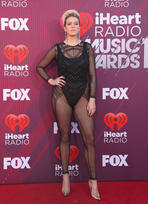 [FOTOS] iHeartRadio Music Awards 2019: Los peores vestidos de la Alfombra, Betty Who
