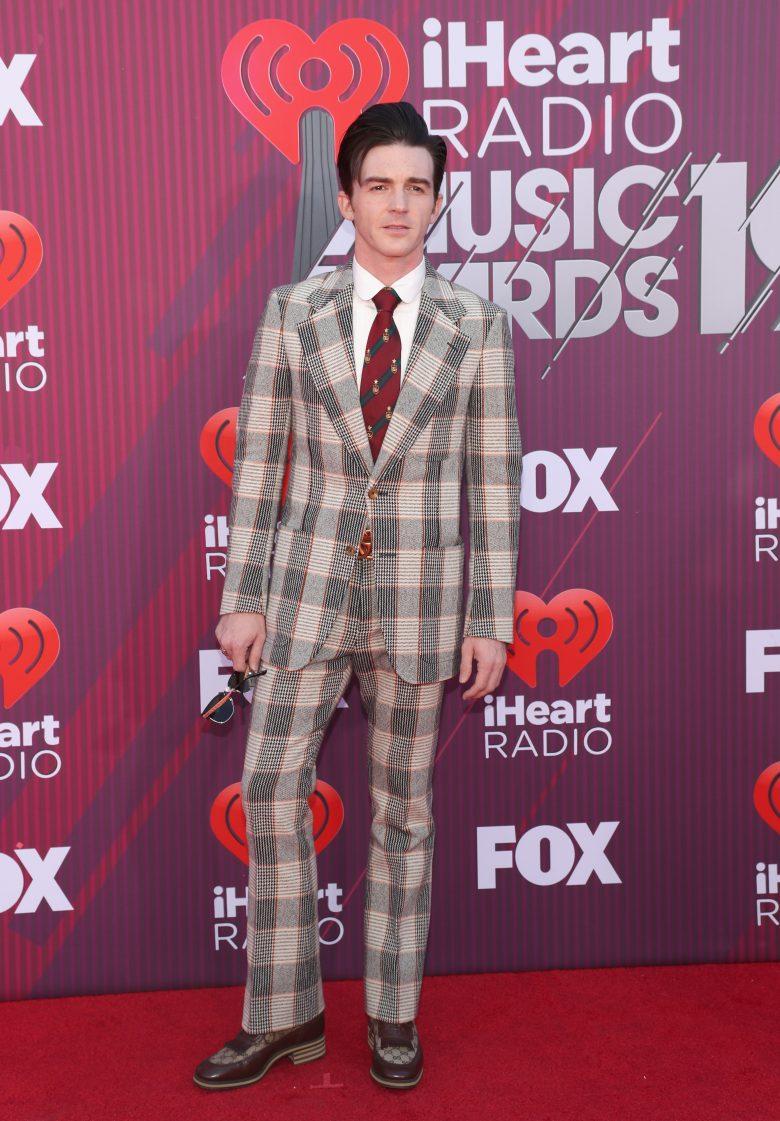 [FOTOS] iHeartRadio Music Awards 2019: Los peores vestidos de la Alfombra, Drake Bell