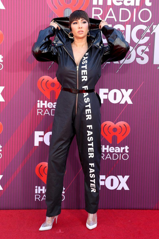[FOTOS] iHeartRadio Music Awards 2019: Los peores vestidos de la Alfombra, Jackie Cruz