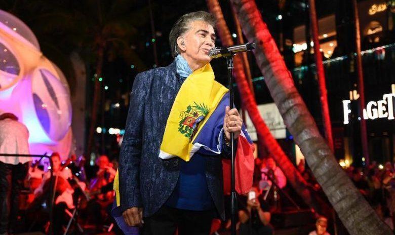 """VER: Así canta """"El Puma"""" José Luis Rodríguez en Miami tras su operación"""