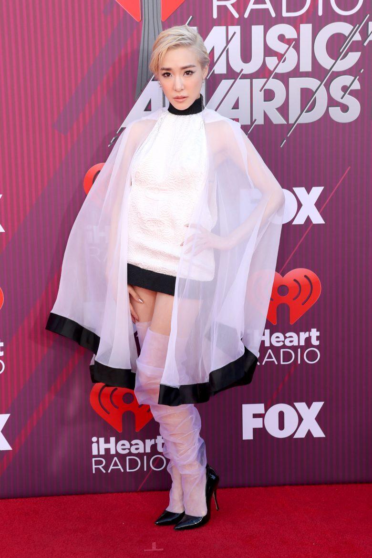 [FOTOS] iHeartRadio Music Awards 2019: Los peores vestidos de la Alfombra, Tiffany Young