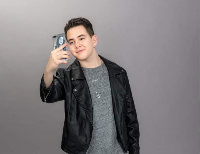 Johnny López Rivera, hijo de Jenni Rivera Debuta como Cantante
