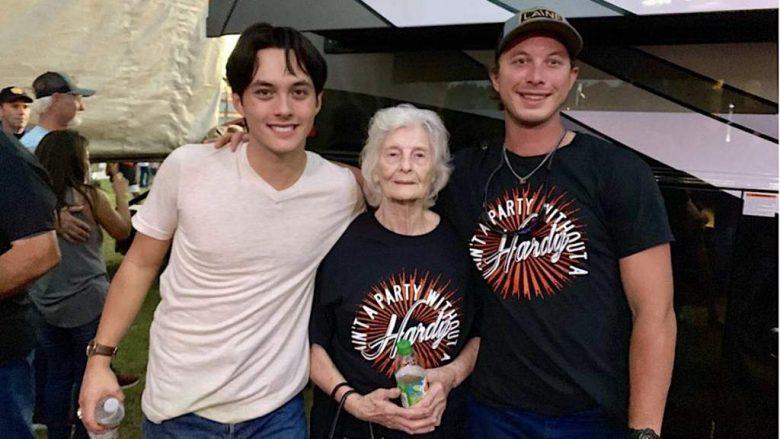 Laine Hardy su familia y novia, ganador American Idol 2019