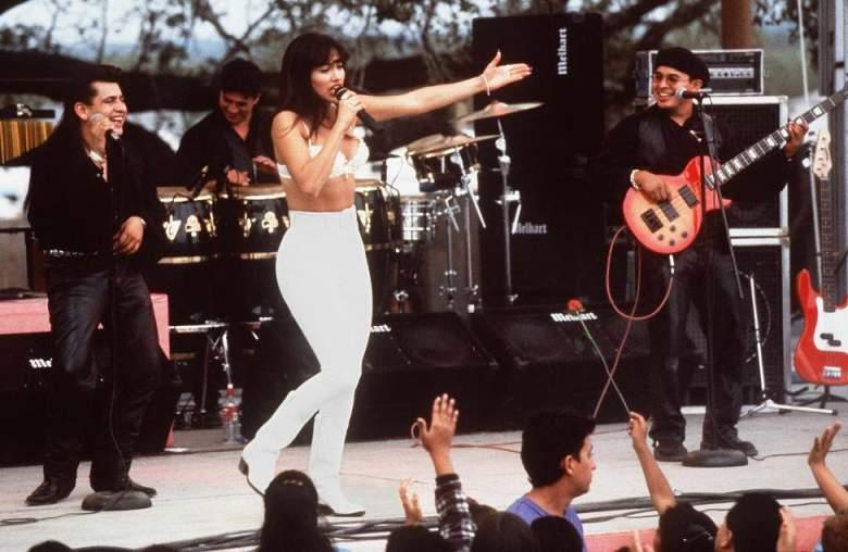 VIDEOS: Así lucía Jennifer López a los 28 años en la piel de Selena