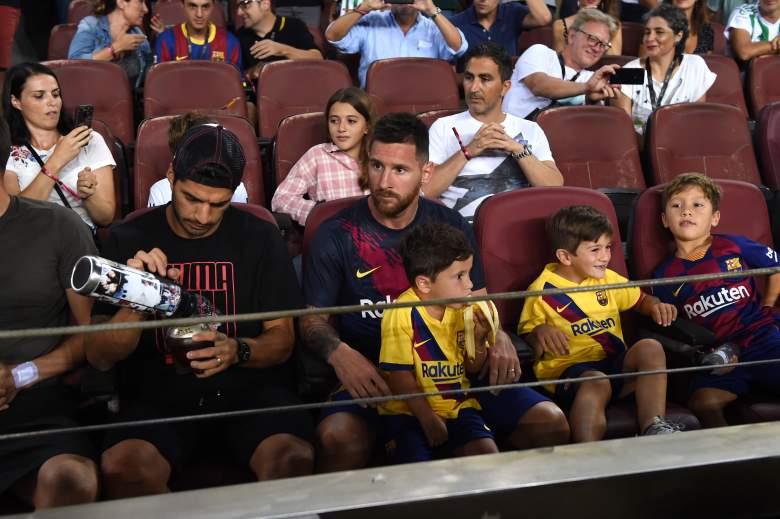 El hijito de Messi se roba el show en goleada del Barcelona ¿qué hizo con una banana?