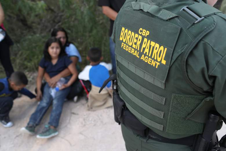 Qué pasa cuando una persona es detenida en la frontera?