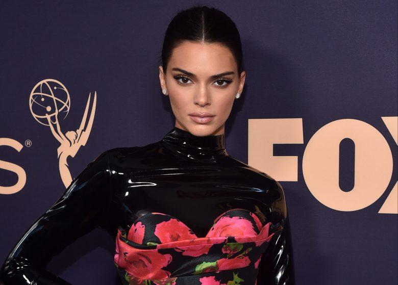 """¿Quién vistió a Kendall Jenner para los """"Emmys 2019""""?"""