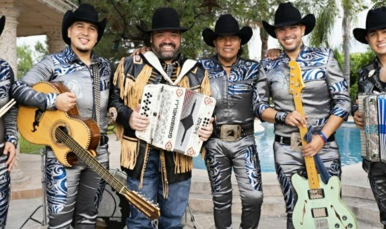 VER: El explosivo junte de Bronco con Ricky Muñoz de Intocable