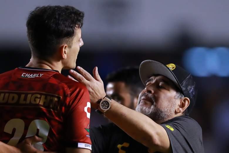Corren a pupilo de Maradona por burlarse de tiroteo: ¿quién es el futbolista?