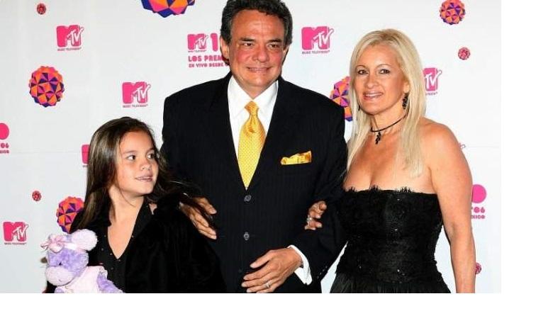 Sarita Sosa y su esposo Jimmy Ortiz: ¿A qué se dedican?, Sarita, hija de José José