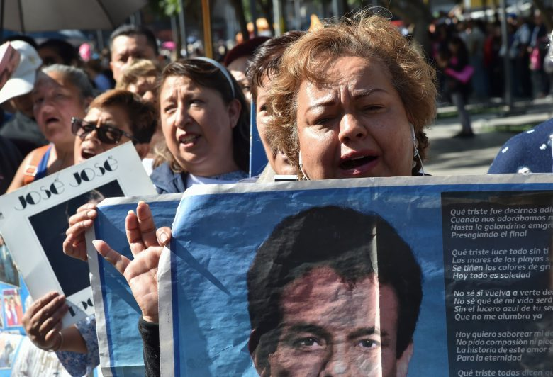 Sarita:¿Cuándo sepultan las cenizas de José José en Miami?